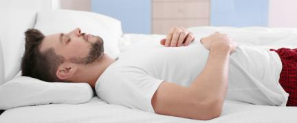 How to Choose the Best Pillows For Back Sleepers