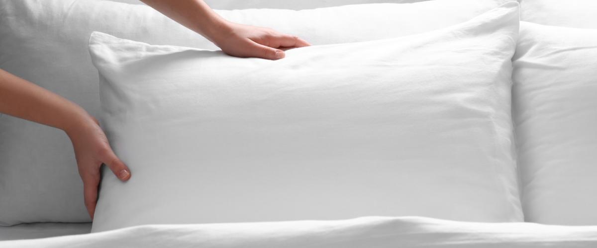 How to Fluff a Pillow at Home